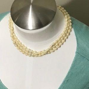 Jewelry - 5/$15 vintage costume jewelry layer bead necklace